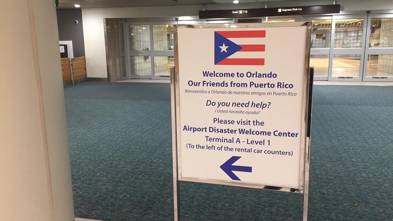 Une affiche guide les Portoricains vers le centre d'aide