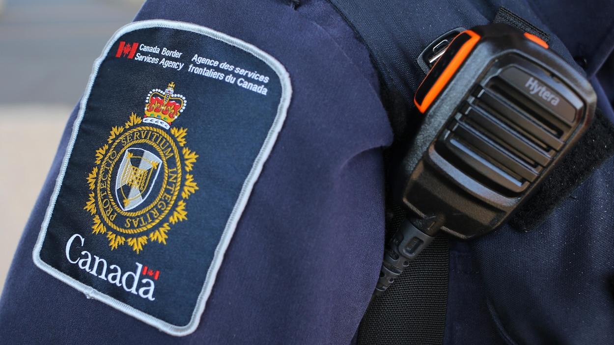Un employé de l'Agence des services frontaliers du Canada.
