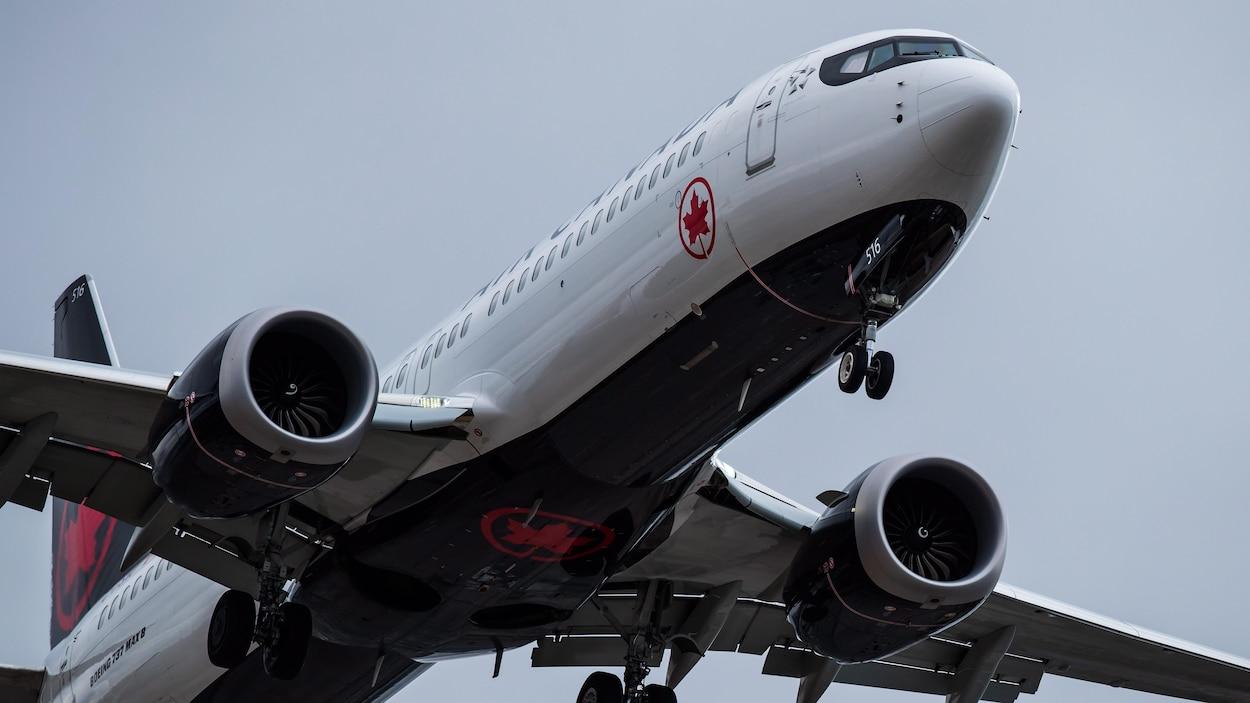 Un avion 737 MAX d'Air Canada.