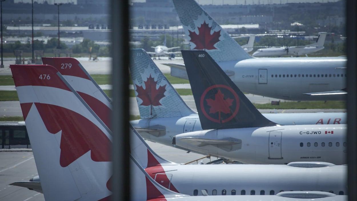 Des avions d'Air Canada