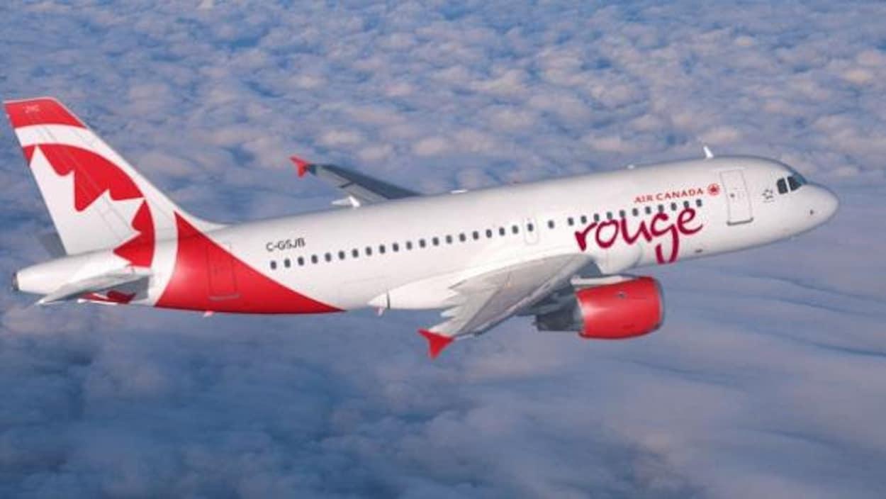 Un avion d'Air Canada Rouge.