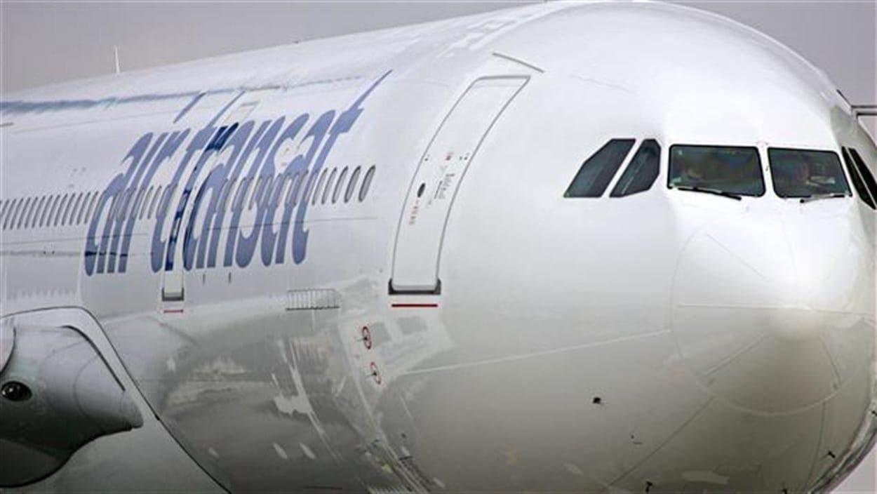 Un avion d'Air Transat.