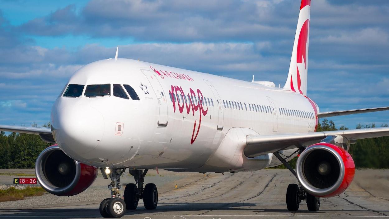 Un avion de la compagnie Air Canada, modèle Airbus 321