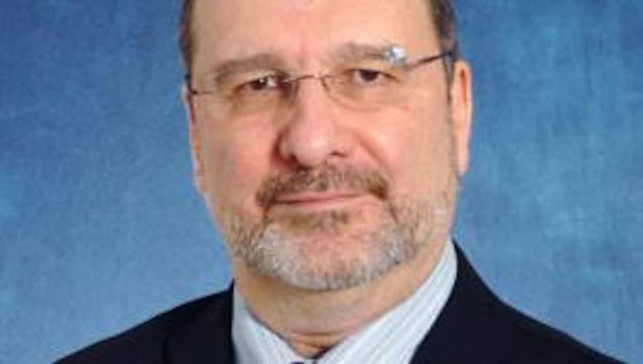 Le conseiller juridique de Philippe Pichet prend sa retraite à deux jours du début des travaux de la Commission sur la protection des sources journalistiques où le SPVM est plongé en pleine controverse.
