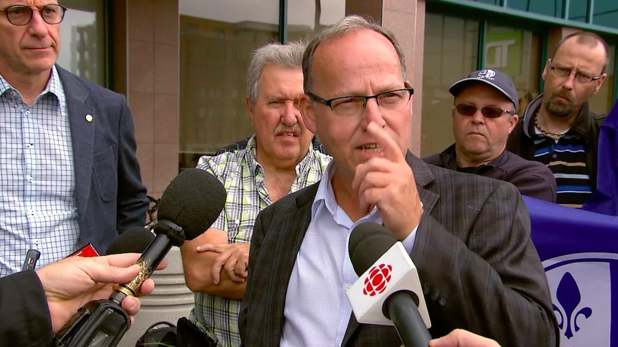 Alain Croteau, directeur du Syndicat des métallos du Québec, en point de presse
