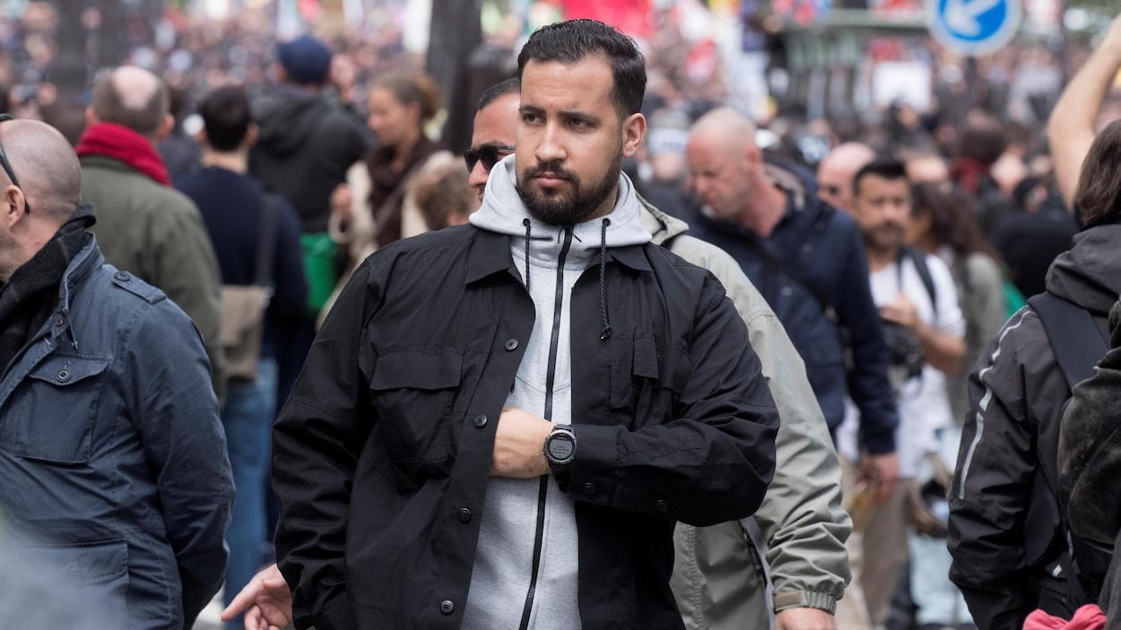 Alexandre Benalla, un collaborateur d'Emmanuel Macron responsable de sa sécurité pendant la campagne présidentielle, fait l'objet d'une enquête préliminaire de la part de la justice française.