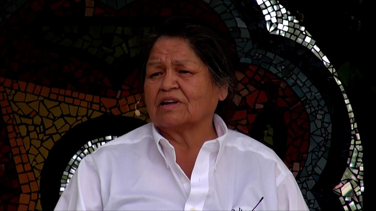 L'artiste autochtones Alice Germain fait partie des huit femmes qui prennent la parole dans le film «Territoire Ishkueu Territoire Femme» de Claude Hamel.