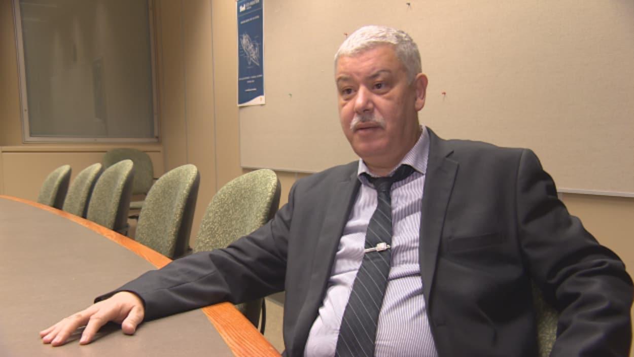 Amr Henni répond aux questions de notre journaliste.