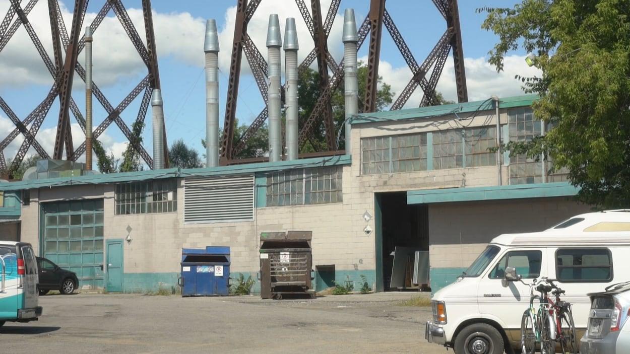 L'usine Anacolor de Cap-Rouge.