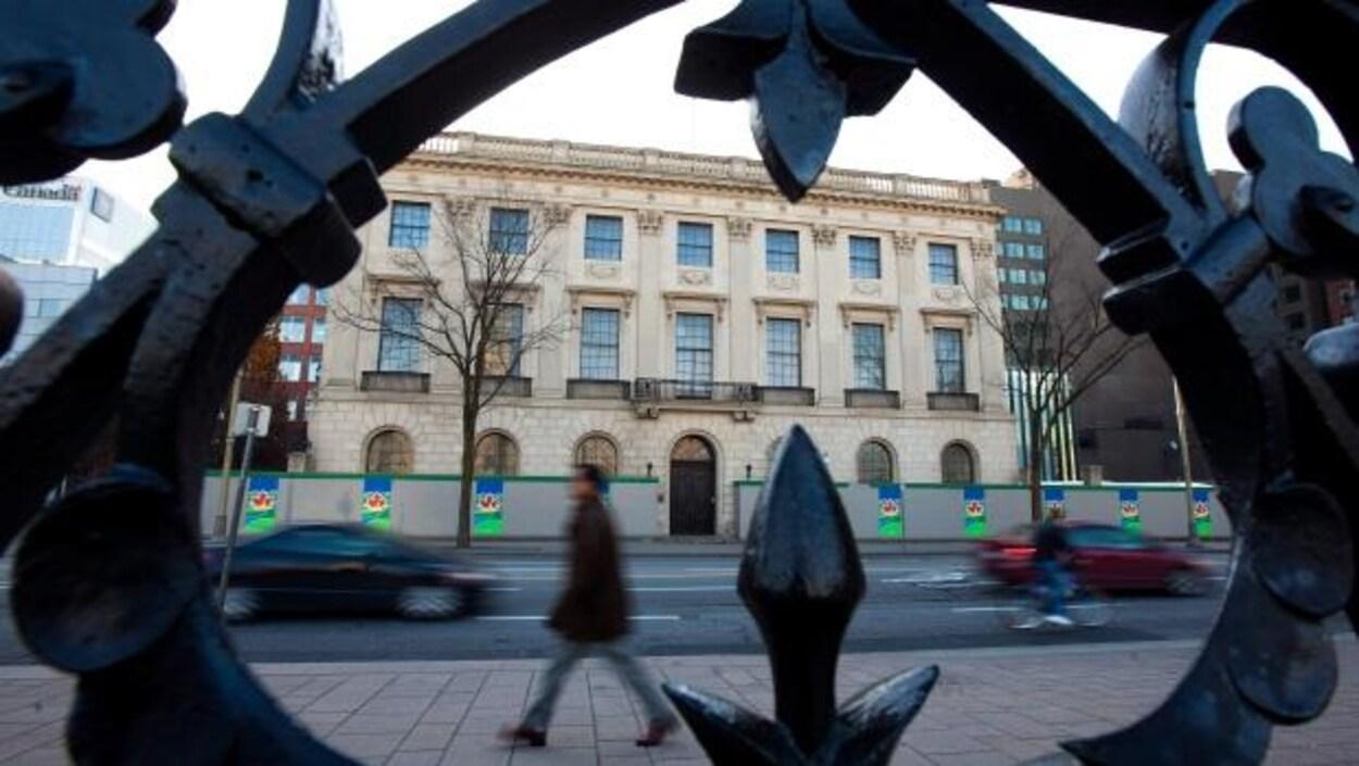 La façade de l'ancienne ambassade des États-Unis à Ottawa.