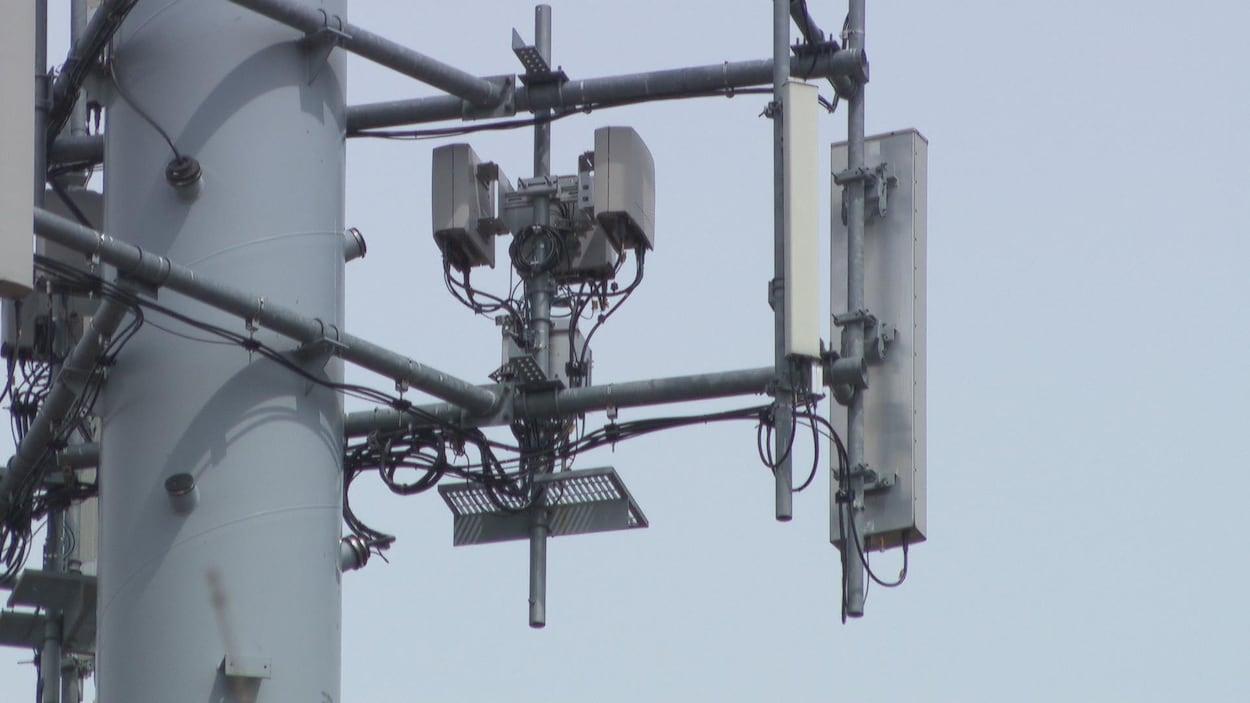 Une antenne cellulaire.
