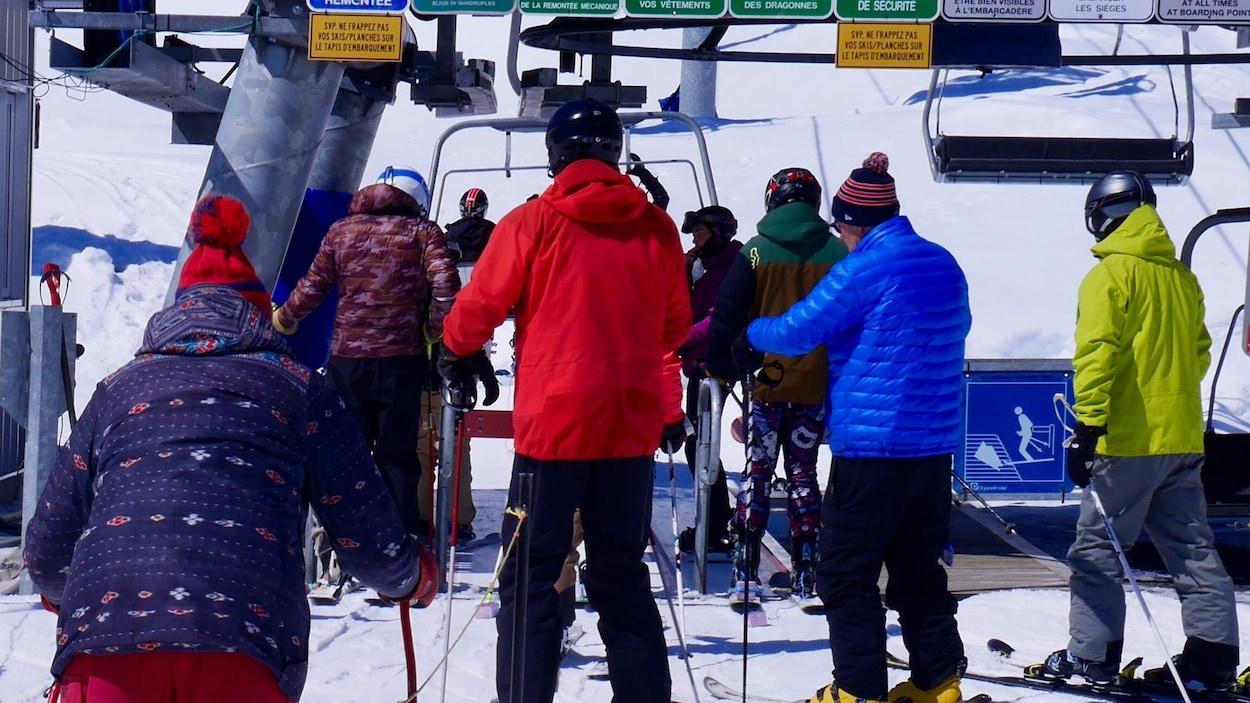 Skieurs au mont Comi.