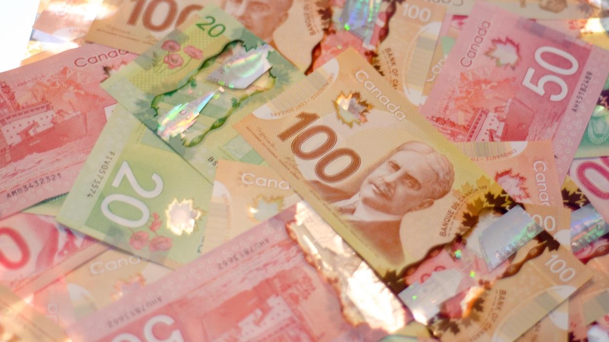 Billets de banque canadiens.