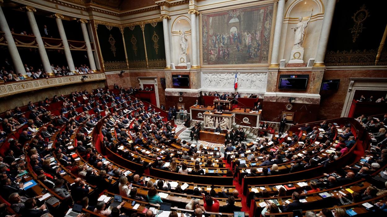 L'Assemblée nationale françaises'est réunie lors d'une session de travail le 12 juin dernier à Paris. Le premier ministre Edouard Philippe prenait alors la parole au centre de l'hémicycle.