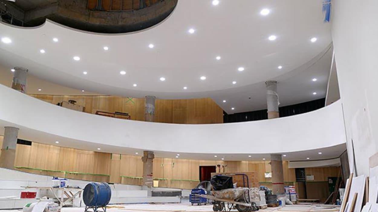 Le nouveau pavillon d'accueil de l'Assemblée nationale du Québec ouvrira ses portes au printemps, trois ans après le début des travaux.