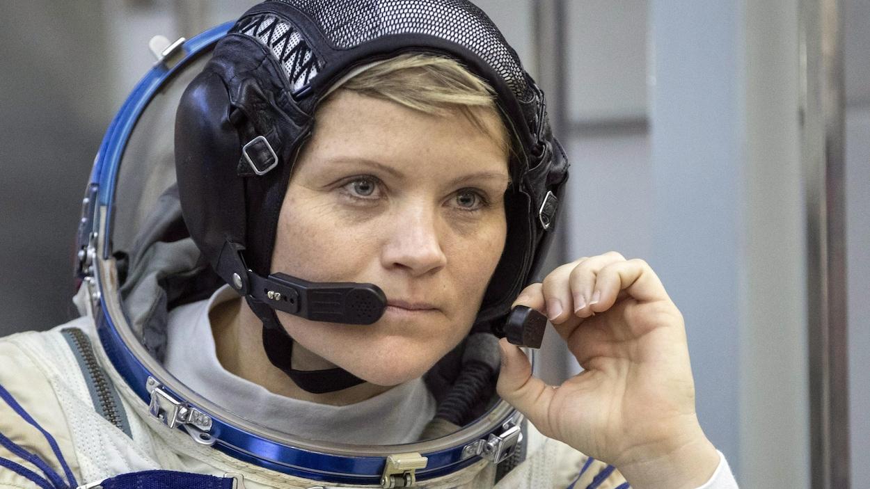 L'astronaute américaine Anne McClain en gros plan.