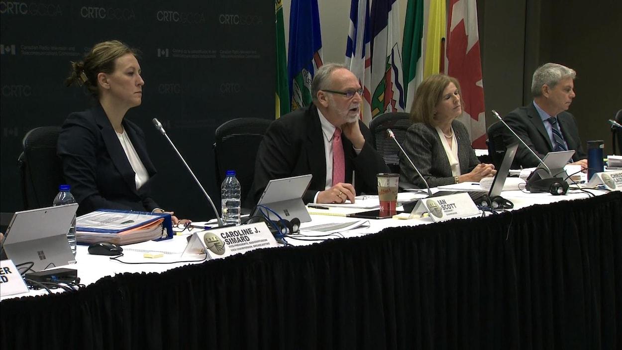 Les audiences du CRTC ordonnées par le gouvernement ont débuté lundi.
