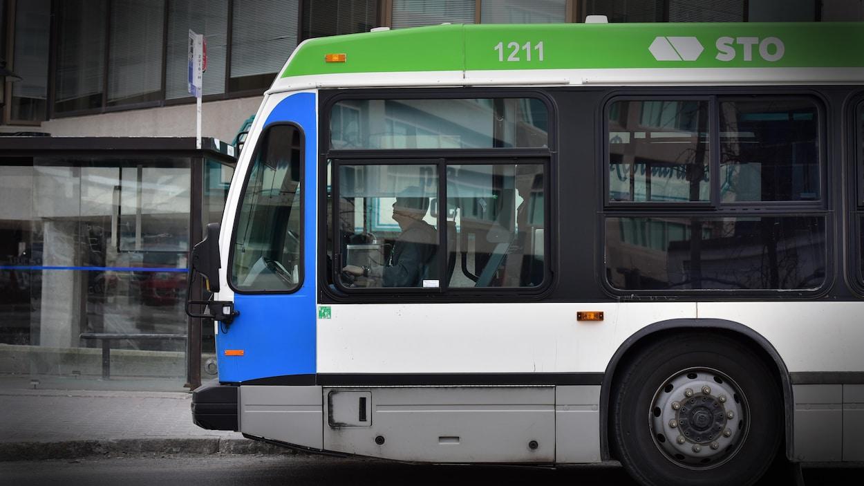 Un autobus de la Société de transport de l'Outaouais