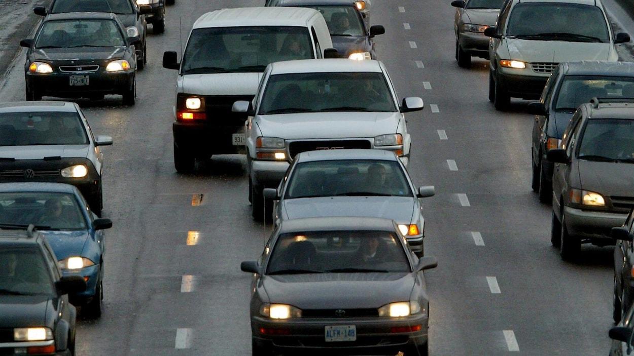 Embouteillage sur l'autoroute Don Valley
