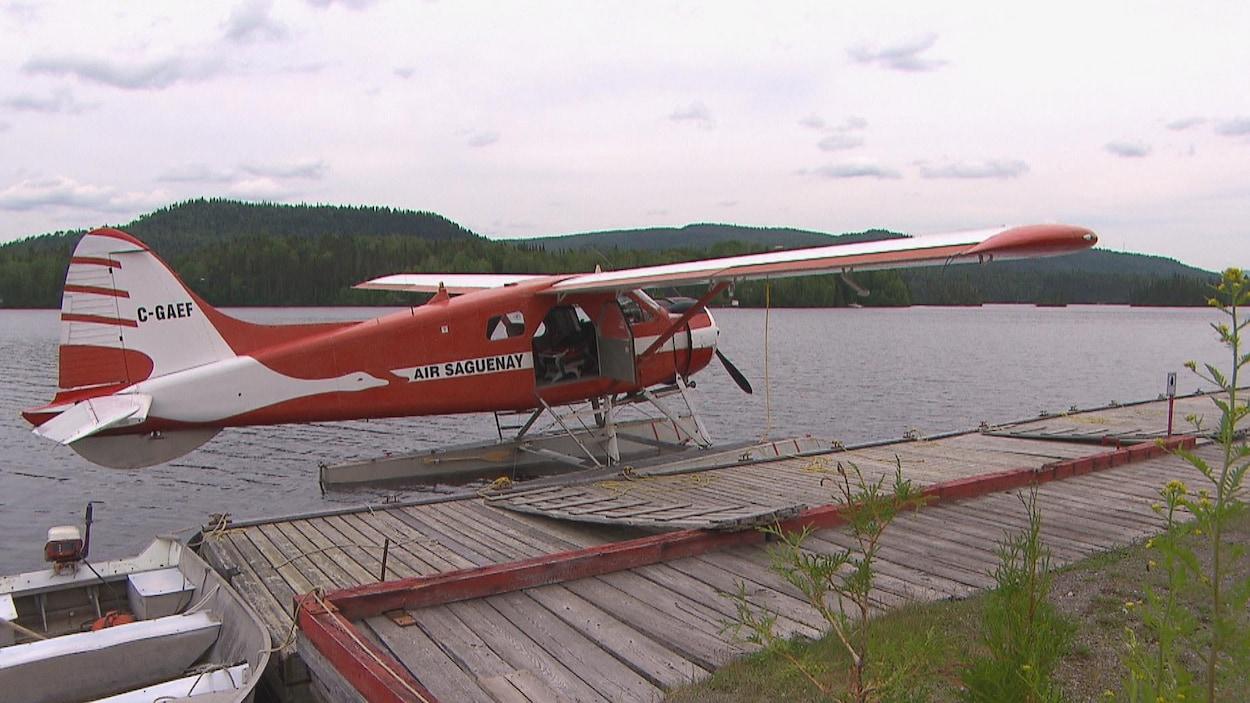 Trois morts et quatre disparus dans le crash d'un avion — Canada