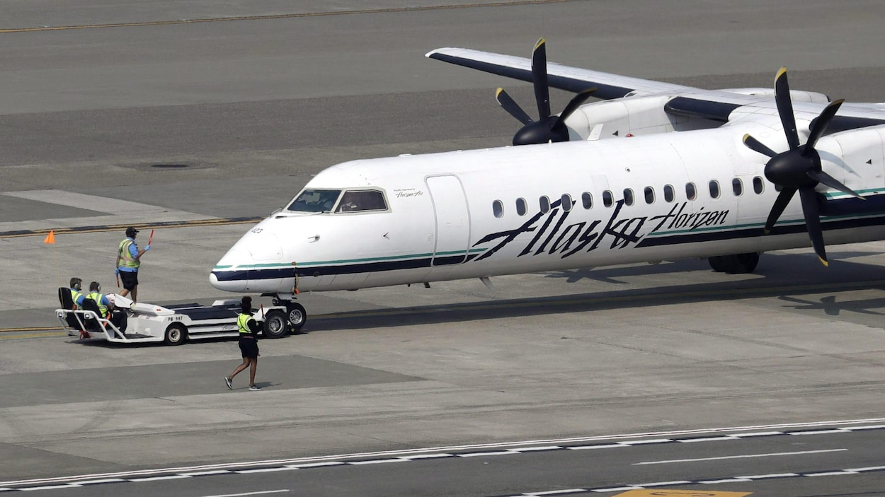 Un avion à turbopropulseur Horizon Air Q400, de l'Alaska Air Group