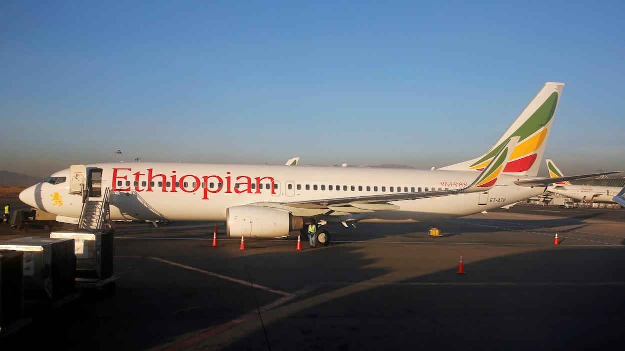 Un Boeing 737 de la compagnie Ethiopian Airlines sur le tarmac de la capitale, Addis-Abeba.