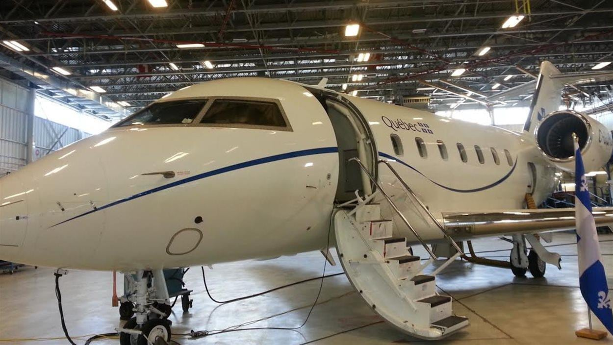 L'avion-hôpital peut transporter plusieurs patients à la fois.
