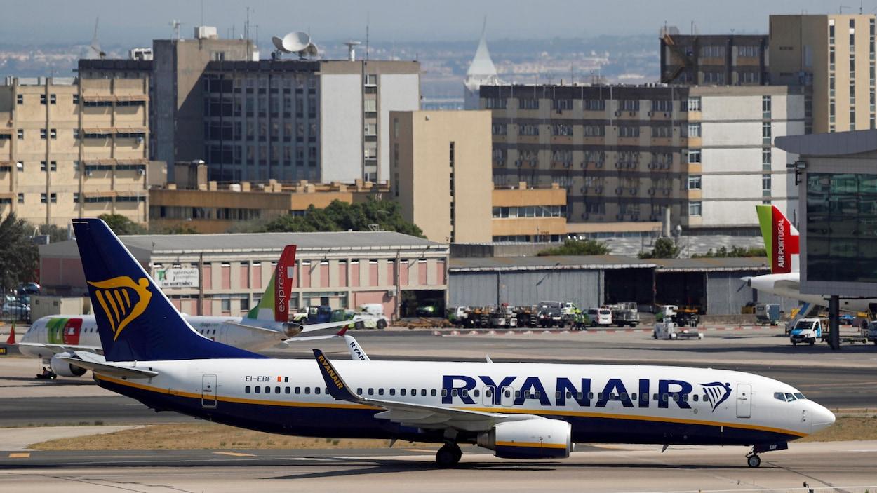 VIDÉO | Buzz autour d'une vidéo d'une altercation raciste dans un avion Ryanair