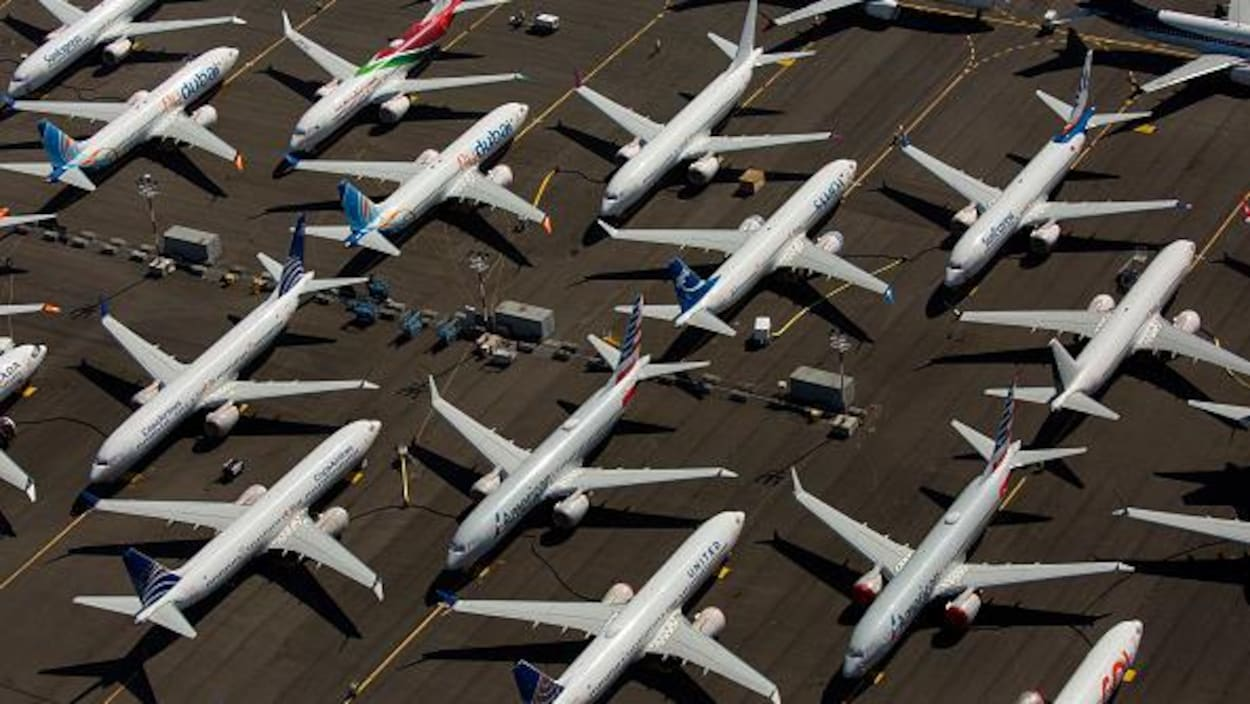 Boeing suspend la production du 737 Max controversé