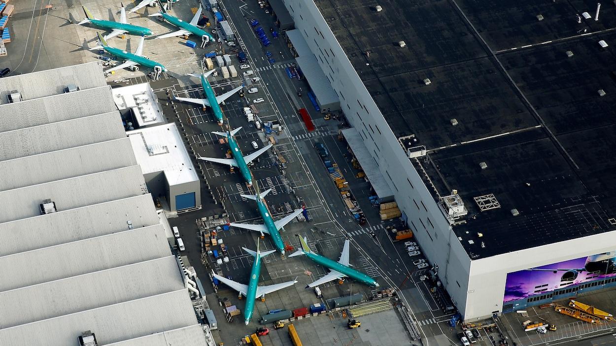 Des avions 737 MAX sur le terrain des installations de Boeing, dans l'État de Washington