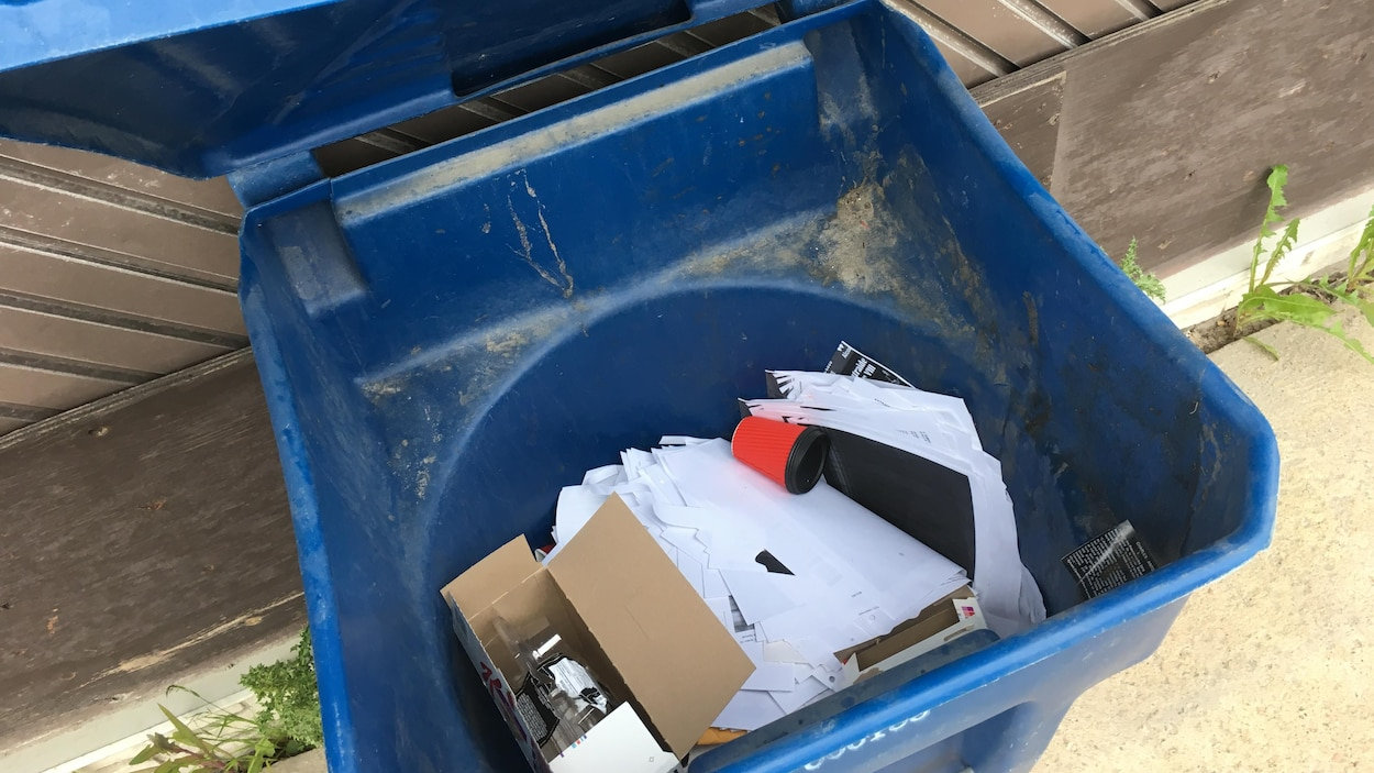Un bac de recyclage.
