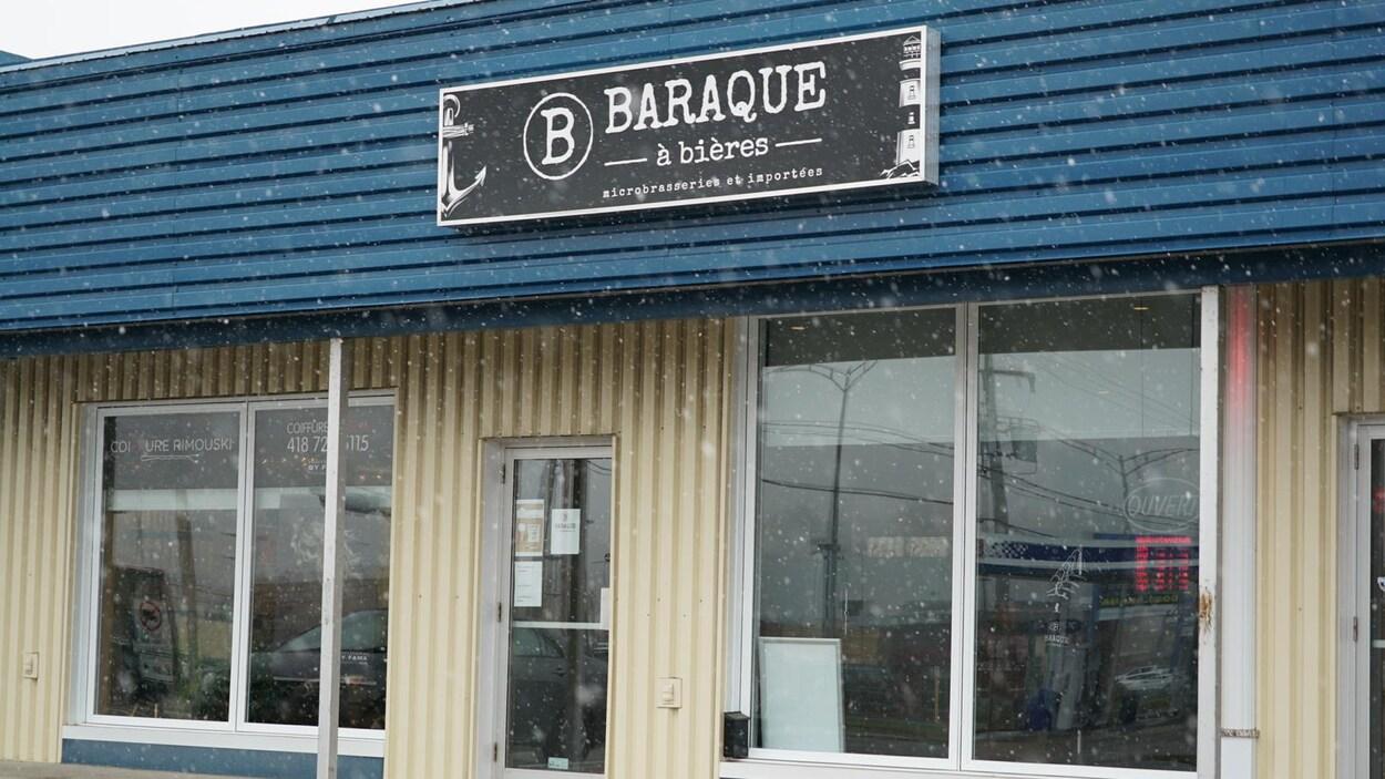 La façade de la Baraque à Bières, à Rimouski.