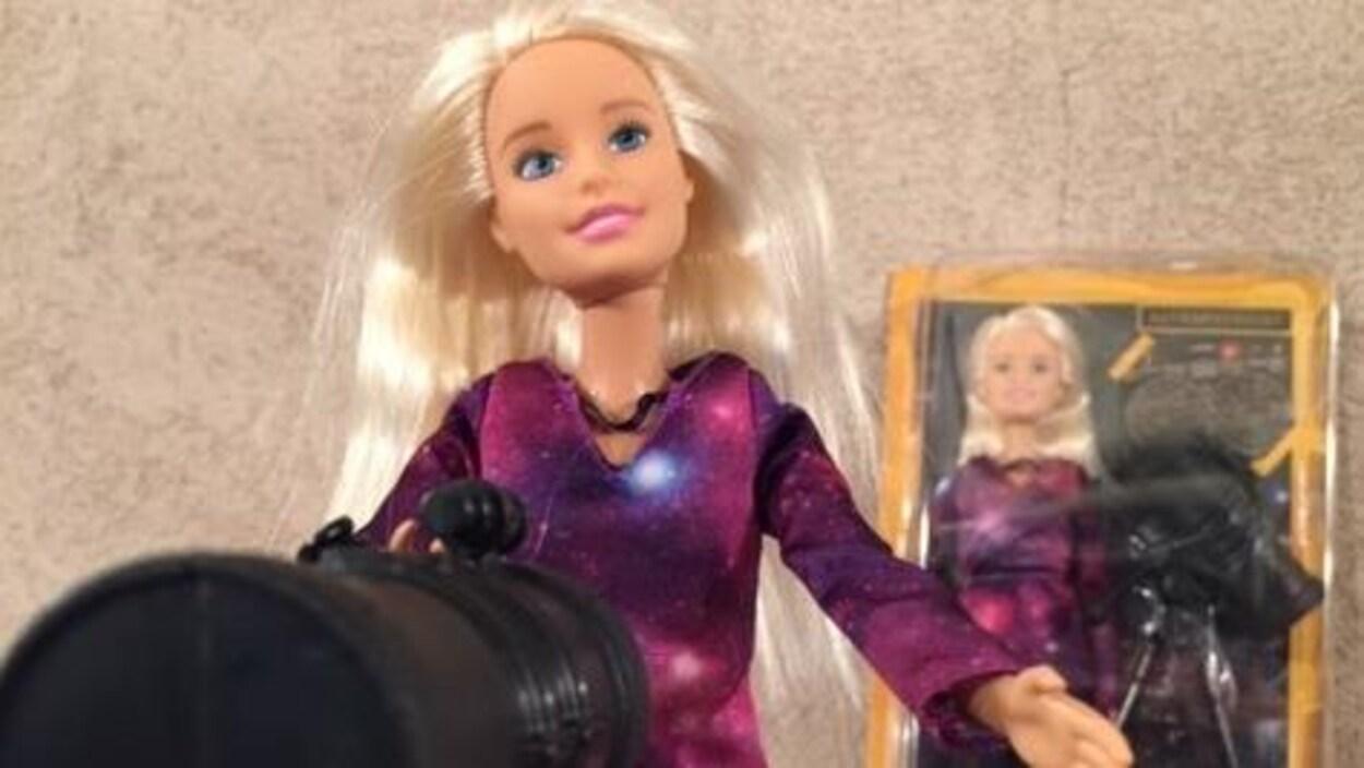 La nouvelle Barbie astrophysicienne de Mattel.