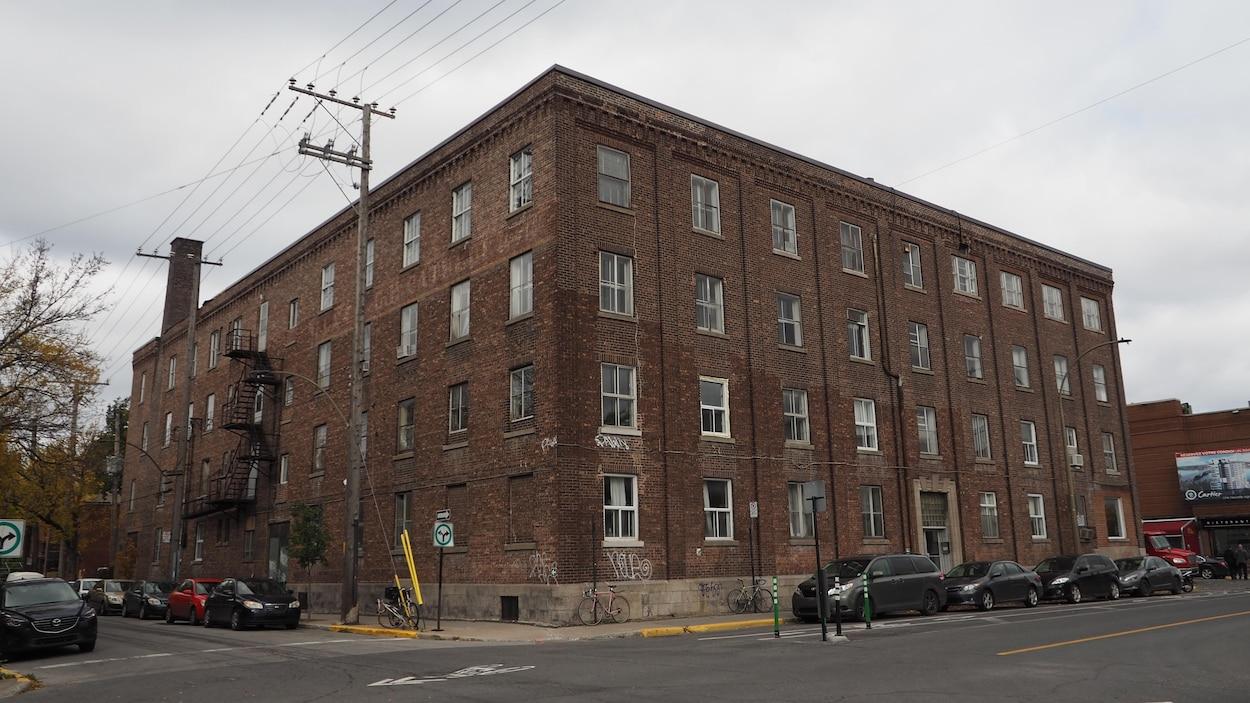 Le bâtiment du 305 Bellechasse