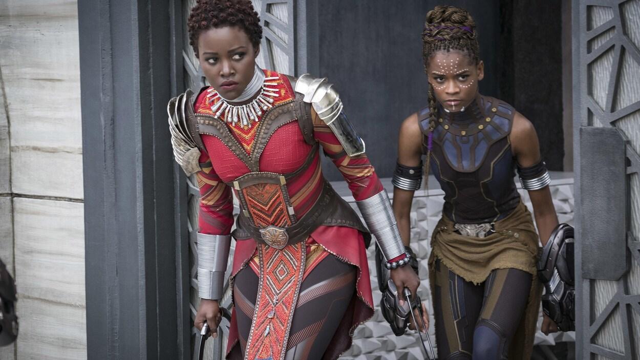 Lupita Nyong'o et Letitia Wright durant le tournage du film «Black Panther».
