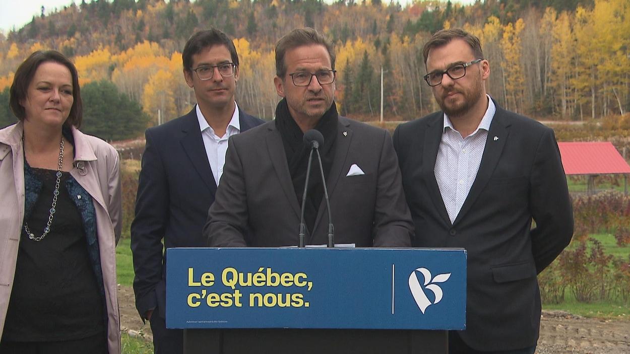 Yves-François Blanchet et les candidats régionaux.