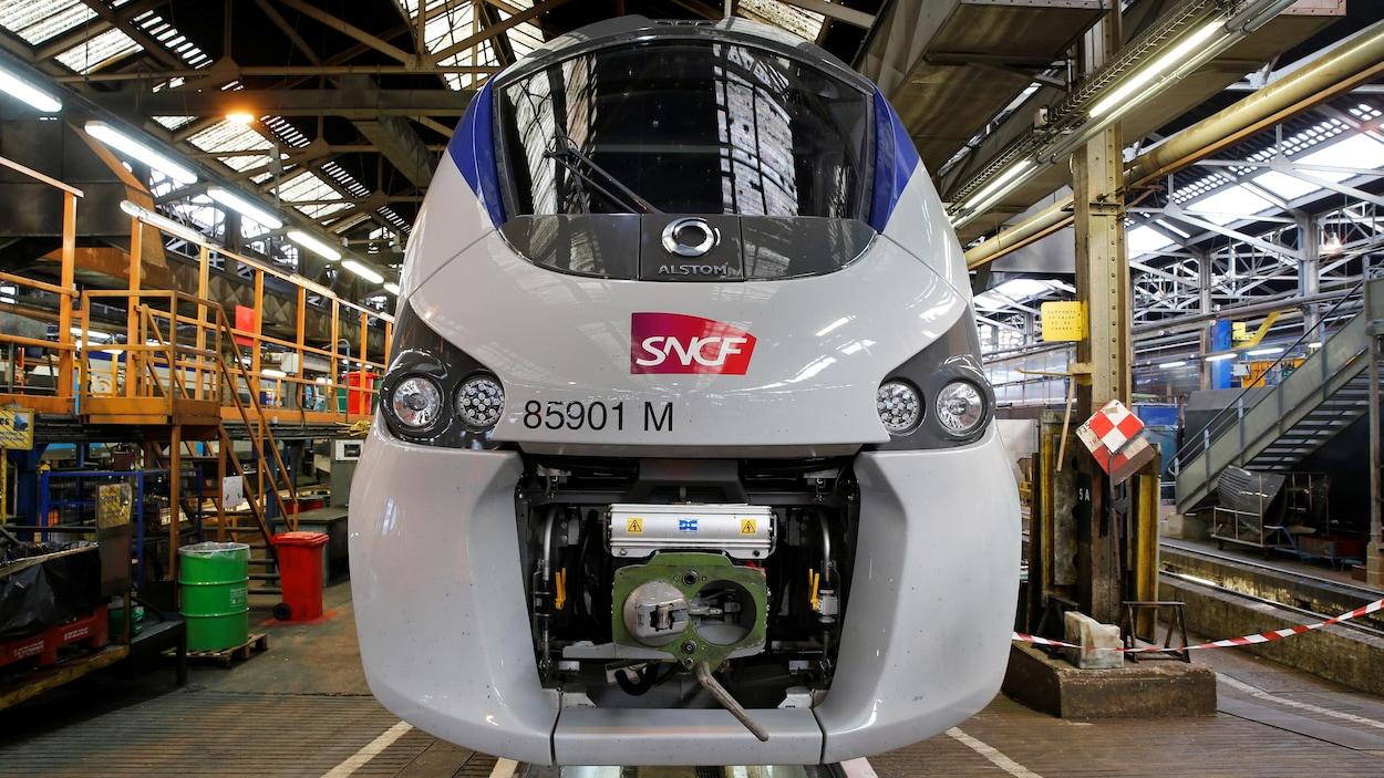 Le contrat devrait fournir du travail à près de 2000 employés de Bombardier et Alstom dans l'Hexagone.