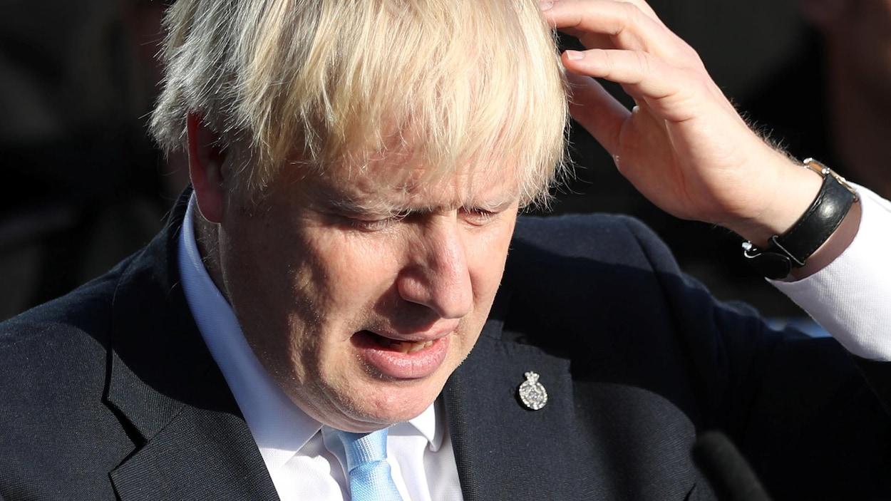 Boris Johnson pendant un discours.