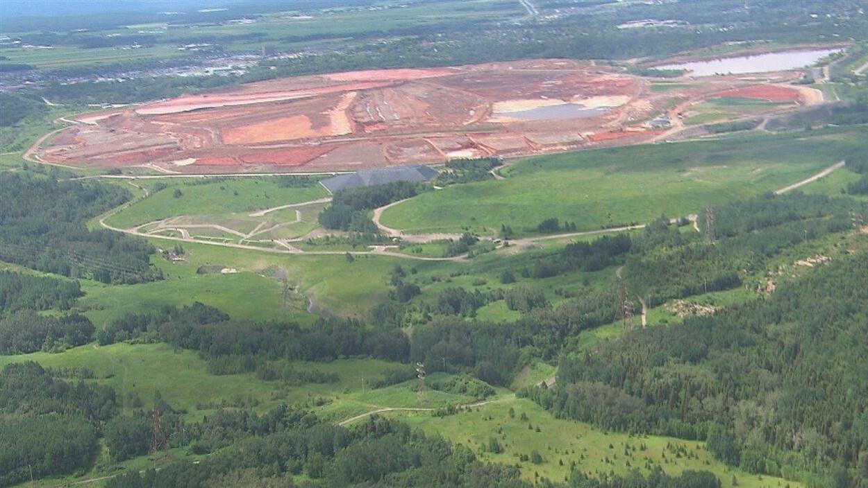 Vue aérienne du site de résidus de bauxite actuel