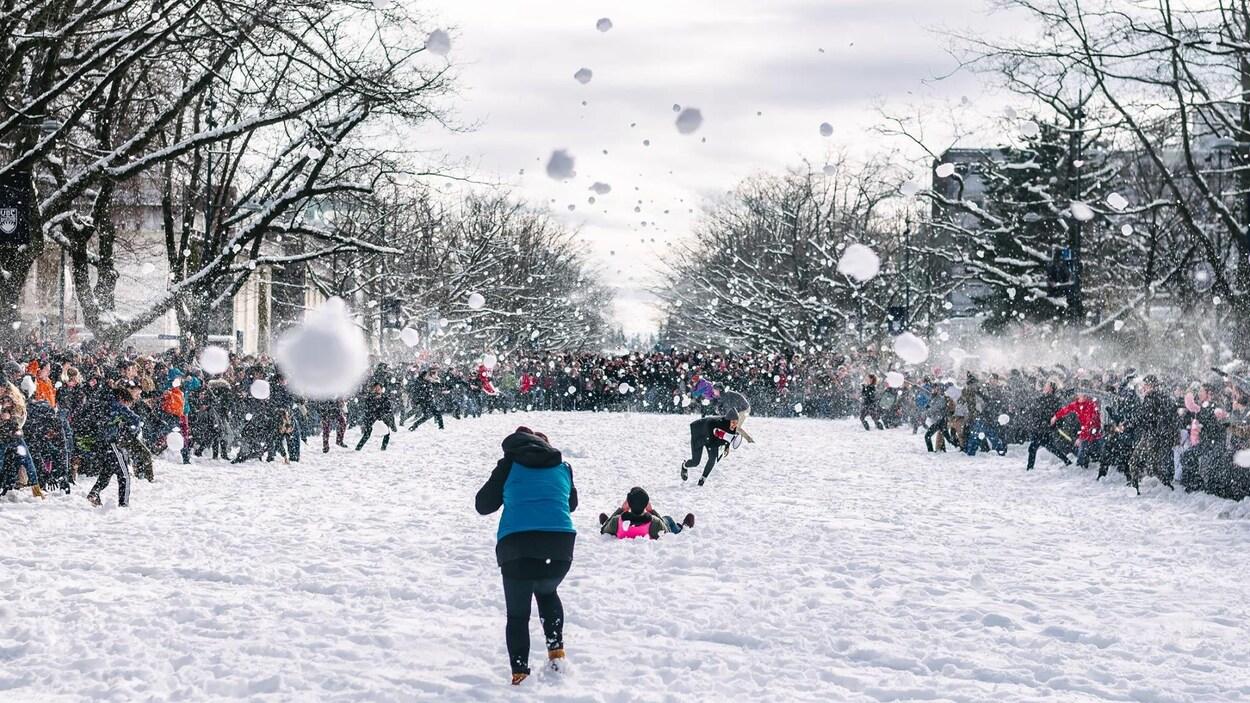 Comment Faire Des Boule A Neige 3000 participants à la bataille de boules de neige de l