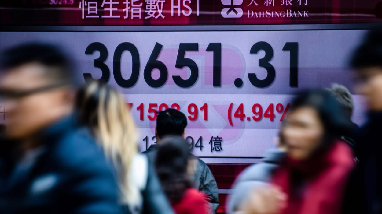 Bourse: l'affolement gagne Wall Street, le Dow Jones perd plus de 6%