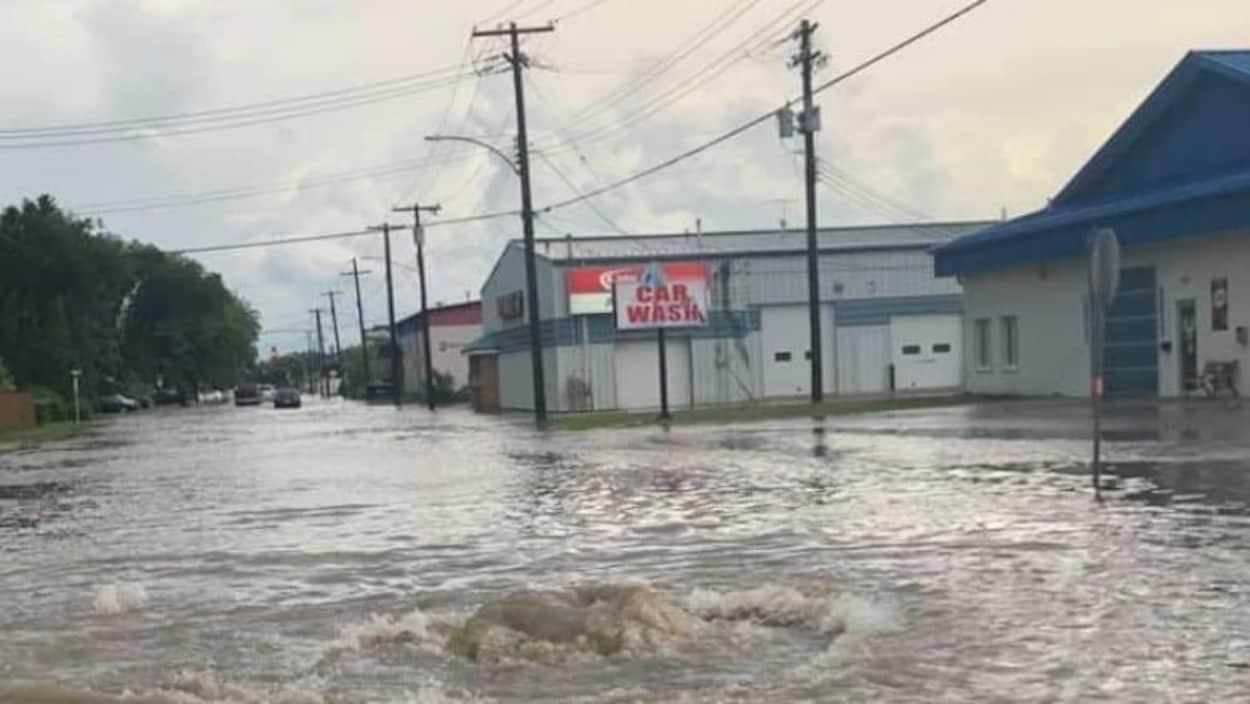 Une rue inondée.