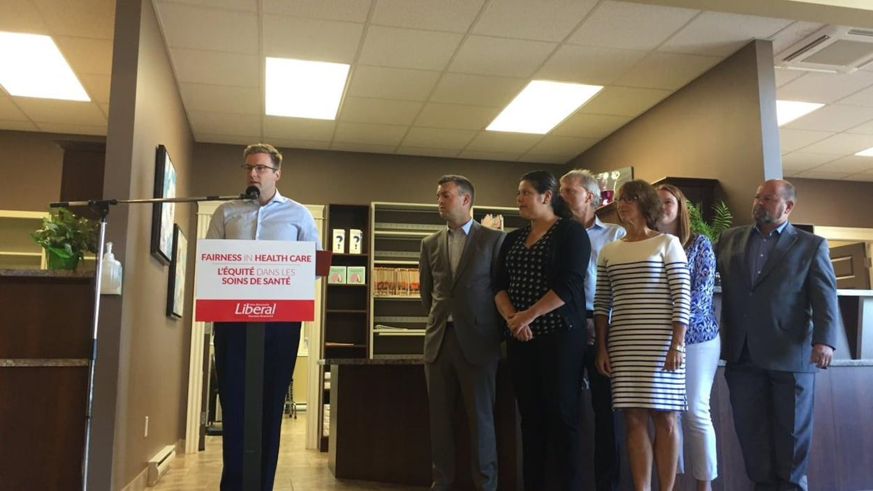 Brian Gallant fait une annonce électorale sur la santé à Moncton.