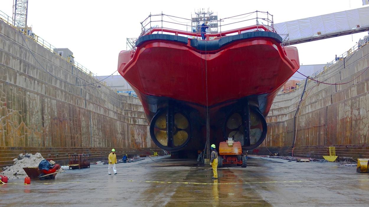 Le brise-glace Jean Goodwill de la Garde-côtière canadienne converti par le chantier Davie
