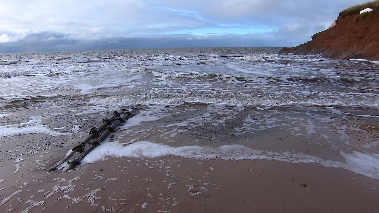Les câbles sous-marins qui relient l'archipel au continent