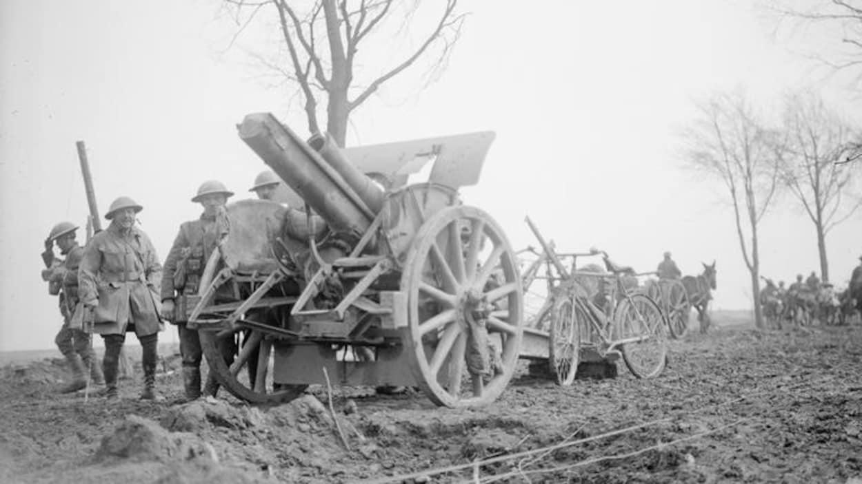Une photo d'archive de l'un des canons des troupes allemandes.