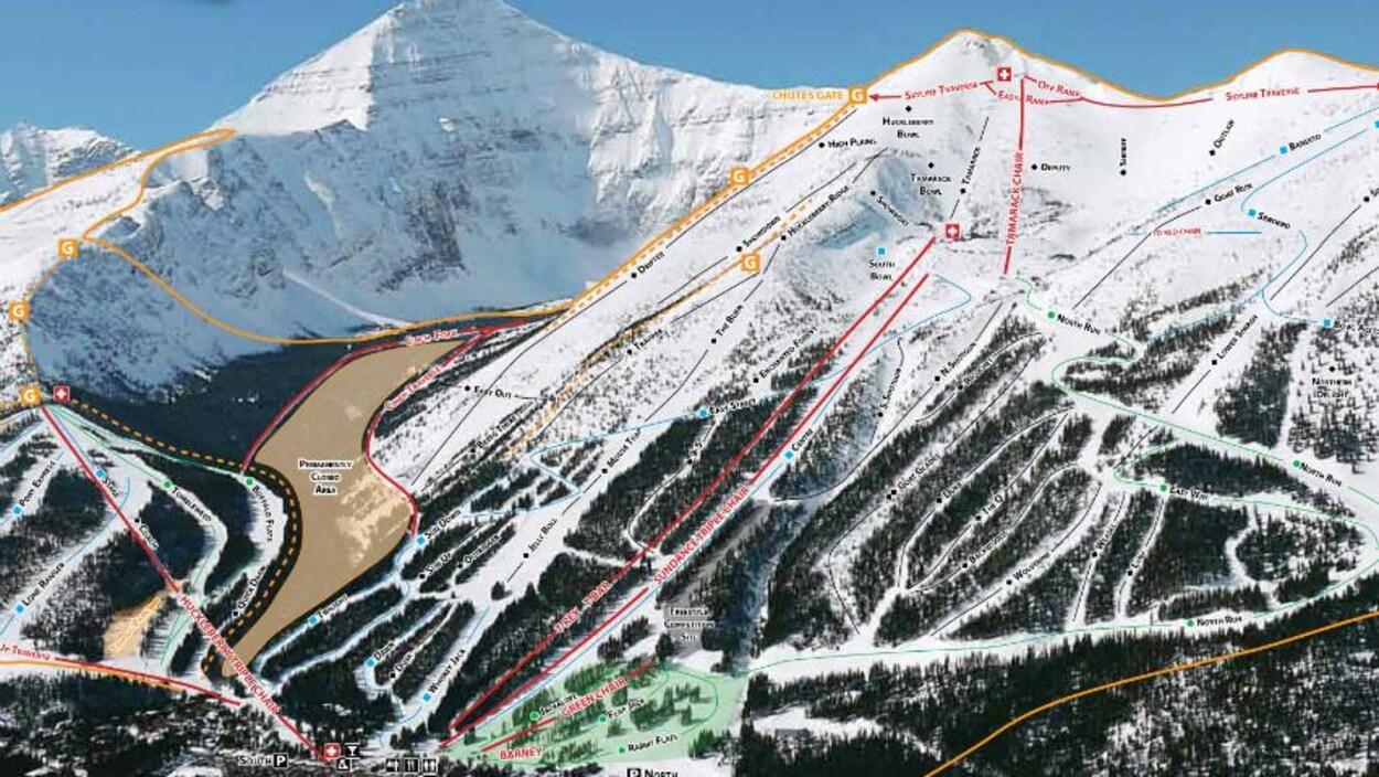 La carte de la montagne avec les différentes pistes.
