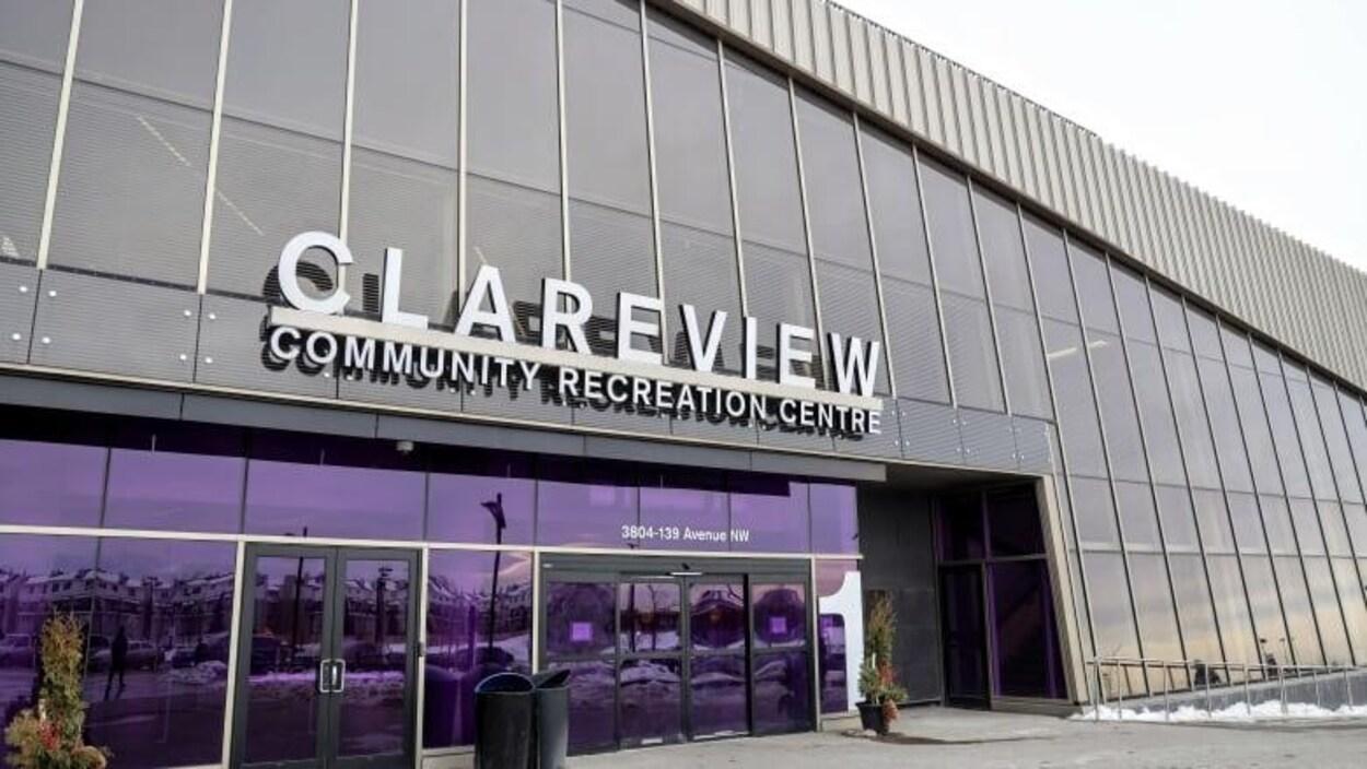 La devanture de centre communautaire et récréatif Clareview.