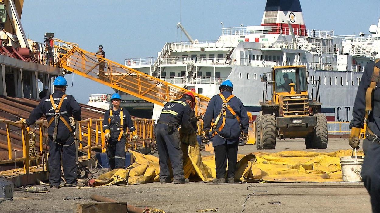 Le chantier maritime Verreault est devenu une véritable ruche.