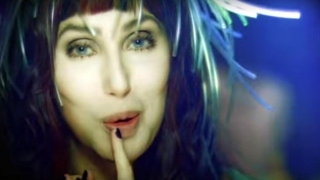 Fotos De Cher believe : il y a 20 ans, cher relançait sa carrière et